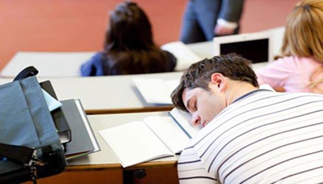 8 cose da universitario che devi smettere di fare