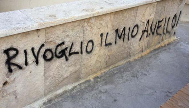 Le 5 frasi d amore che non vorresti mai sentire - Frasi scritte sui muri di casa ...