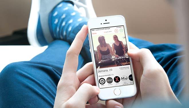 giochi tra ragazze trovare amore su internet