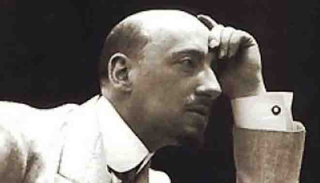 Gabriele d 39 annunzio biografia for Sedia di d annunzio