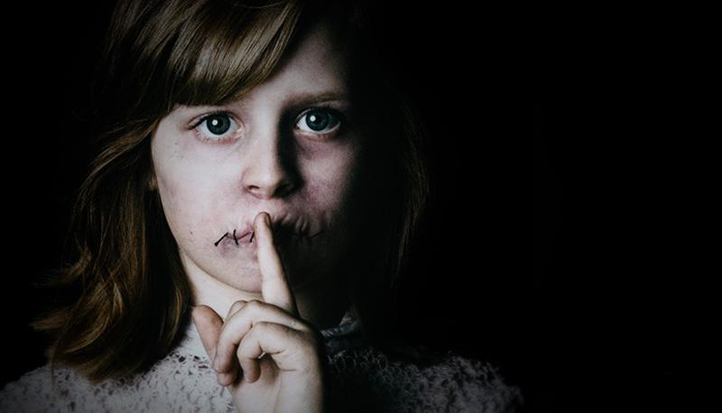 Risultati immagini per bambina bocca cucita
