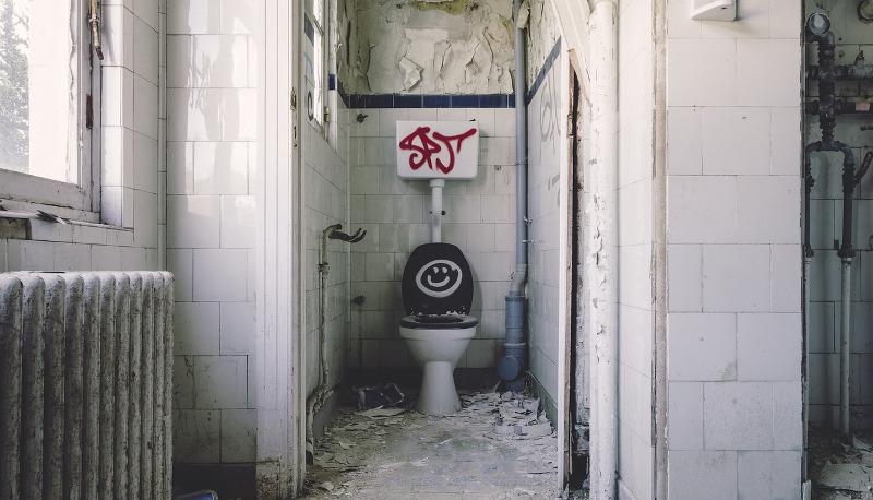 Bagni sporchi a scuola? Ecco la circolare anti vandali