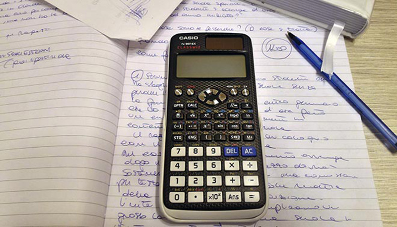 foto di calcolatrice scientifica Casio CLASSWIZ FX-991EX