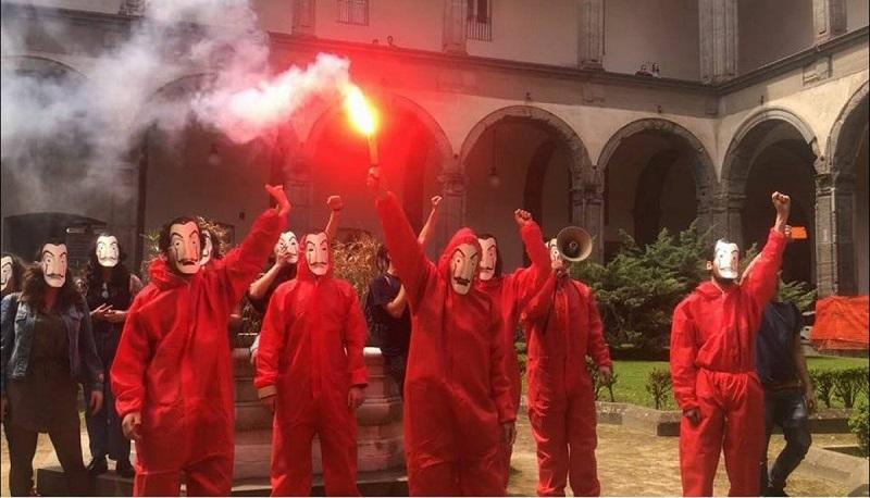 "Maschere di Dalì all'università: ma non è la ""Casa di Carta"""