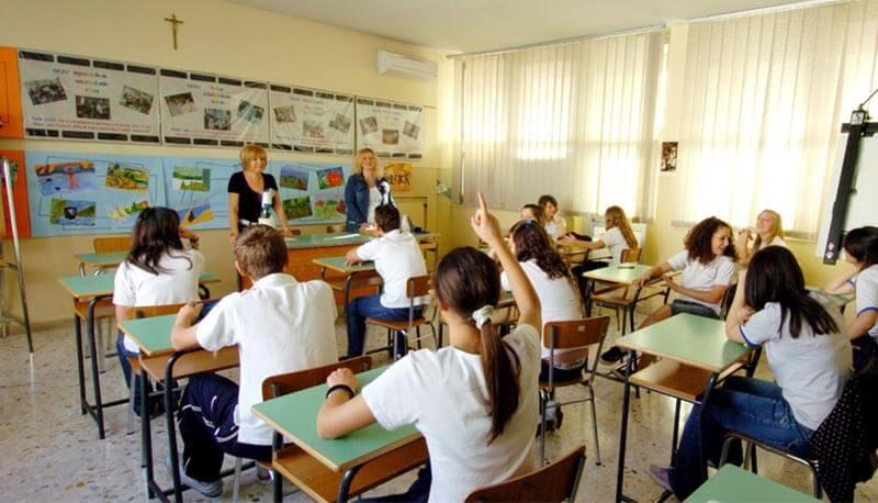 Risultati immagini per Scuola italiana immagini