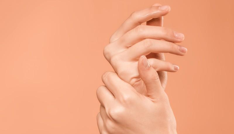 Gel disinfettante mani, come farlo a casa: il tutorial dell'Università