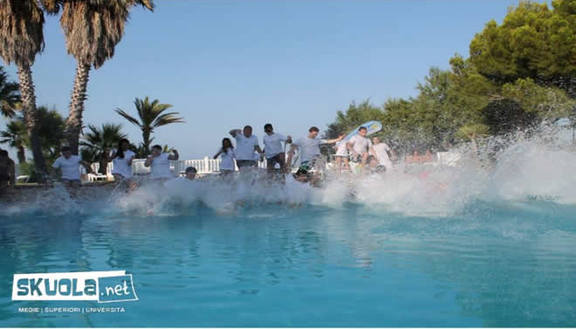 Pool Party: il divertimento si tuffa in piscina